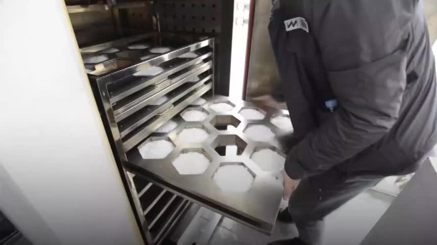 Cỗ máy tái chế di động biến nhựa thành gạch