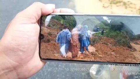 Tiếp tục sạt lở tại nơi tìm nạn nhân mất tích ở Quảng Nam
