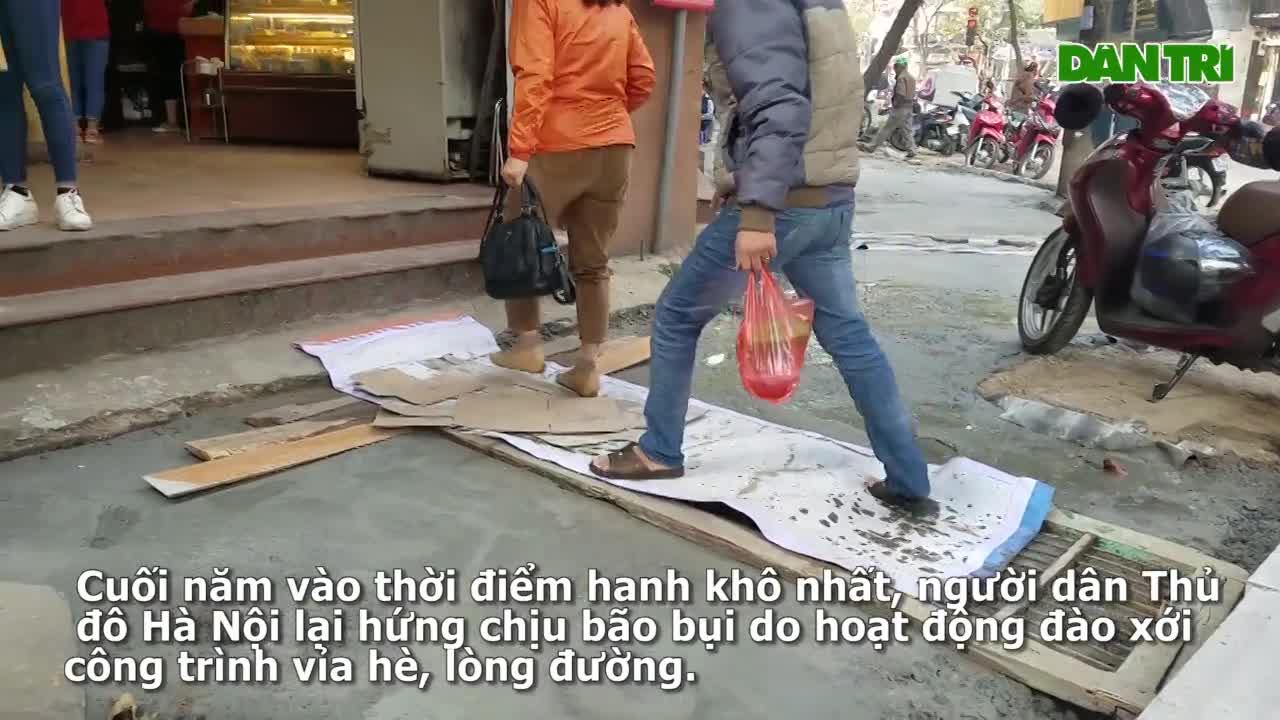 Hà Nội: Rầm rộ sửa đường ngày cận Tết