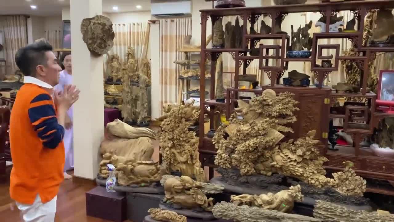 Ngoài nhà thờ Tổ, Hoài Linh có căn phòng được cho là trị giá trăm tỷ đồng