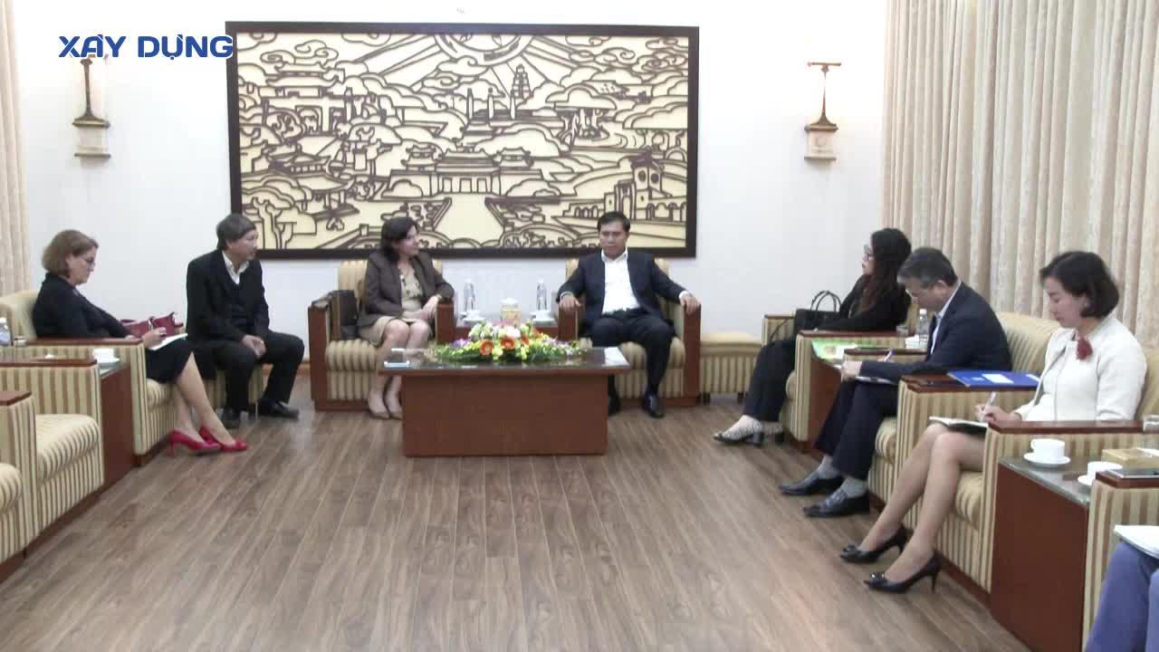 Thứ trưởng Lê Quang Hùng làm việc cùng Đại sứ Cuba tại Việt Nam