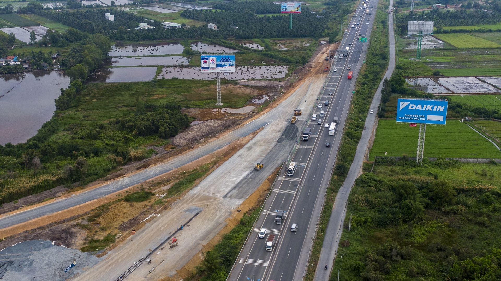 Cao tốc Trung Lương - Mỹ Thuận thông xe tạm 10 ngày dịp Tết Nguyên đán