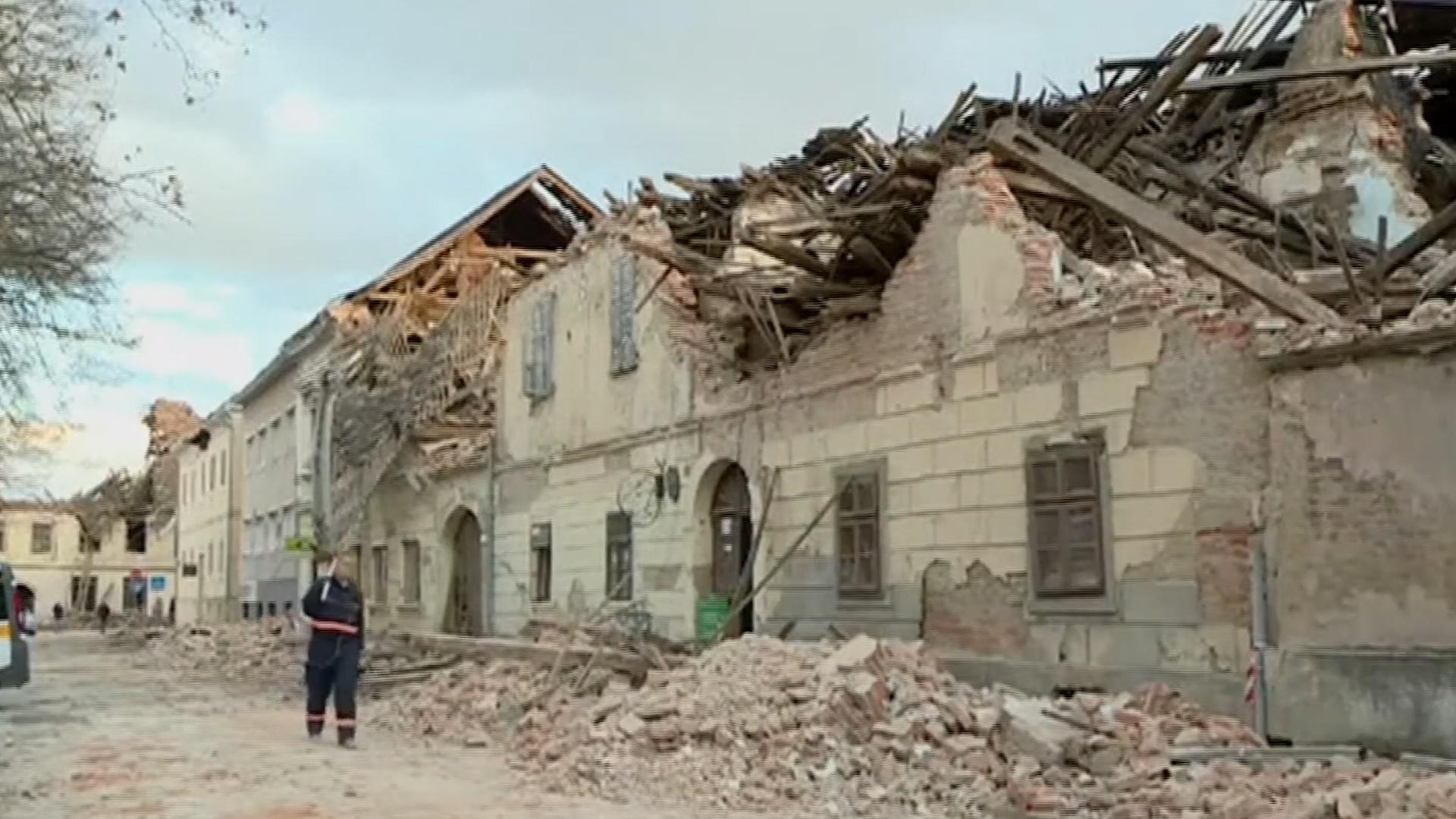 Khung cảnh hoang tàn sau trận động đất 6,3 độ ở Croatia